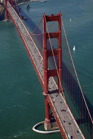 California, San Francisco, Traffic on Golden Gate Bridge