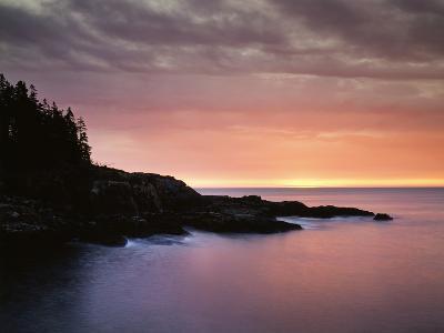 USA, Maine, Acadia National Park, Sunrise over the Atlantic Ocean