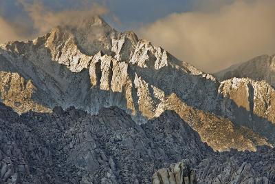 USA, California, Alabama Hills Eastern Sierra Nevada Mountains