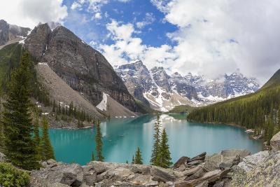 Moraine Lake and Valley of the Ten Peaks, Banff NP, Alberta, Canada
