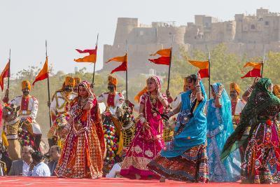 Dancing Women in Sari. Desert Festival. Jaisalmer. Rajasthan. India