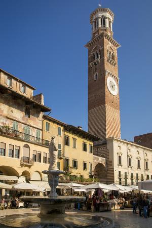 Fountain Madonna Verona and Market, Piazza Delle Erbe, Verona, Italy