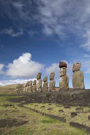 Chile, Easter Island, Rapa Nui NP, Ahu Tongariki. Moi Statues