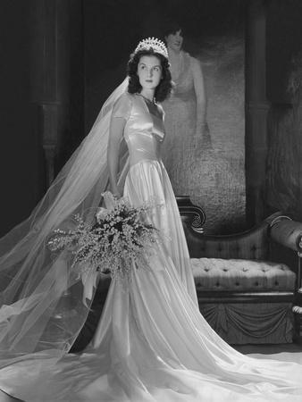 Mrs. John Simms Kelly (Brenda Frazier) in Wedding Gown