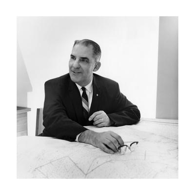 Dr. Dale F. Leipper