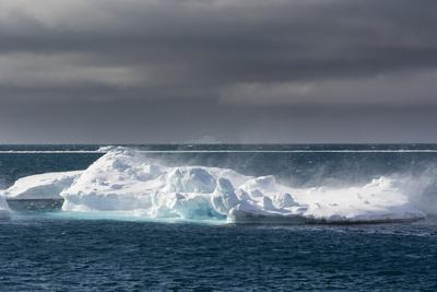 Wind Blowing over the Top of an Iceberg