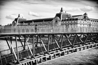Musee d'Orsay - Solferino Bridge view - Paris - France
