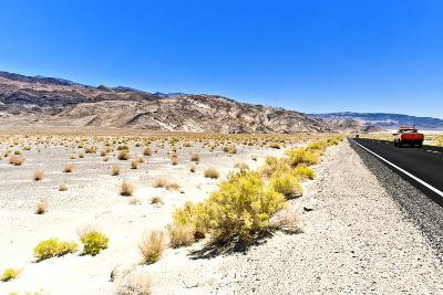 Road view - Death Valley National Park - California - USA - North America