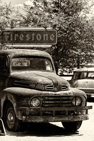 Truck - Route 66 - Gas Station - Arizona - United States