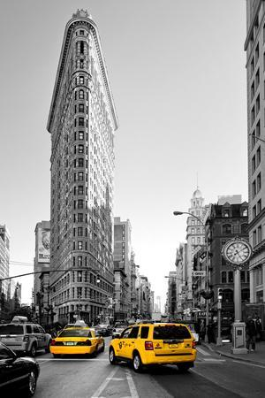 Flatiron Building - Taxi Cabs Yellow - Manhattan - New York City - United States