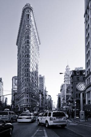 Flatiron Building - Taxi Cabs Yellow - Manhattan - New York City - United States