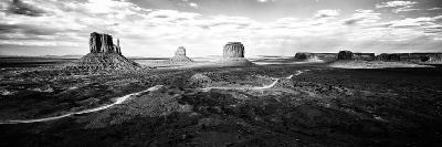 Panoramic Landscape - Monument Valley - Utah - United States