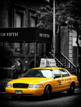 Yellow Taxis, 108 Fifth Avenue, Flatiron, Manhattan, New York City, Black and White Photography