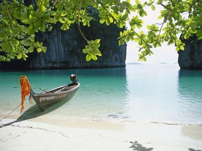 Beach on Ko Hong Island