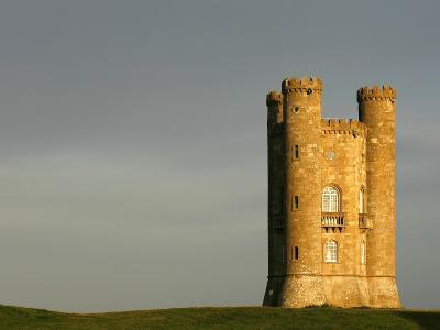Broadway Tower standing prominently in the Cotswolds