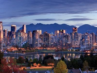 Vancouver skyline in front of North Shore Mountains