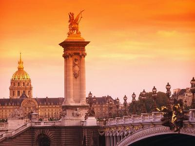 Sunrise at Pont Alexandre-III