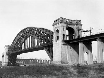 The Hell Gate Bridge in New York City