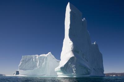 Giant Icebergs in Ililussat