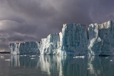 Sveabreen Glacier in Nordfjorden