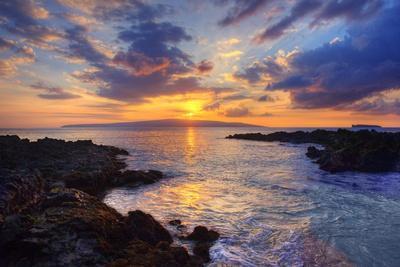 Sunset at Maui Wai or Secret Beach on Maui in Hawaii