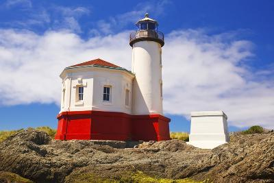 Afternoon Light on Coquille River Lighthouse, Bandon, Oregon Coast, Pacific Ocean