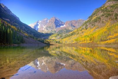 Maroon Bells with Changing Aspen Leaves, Aspen, Colorado