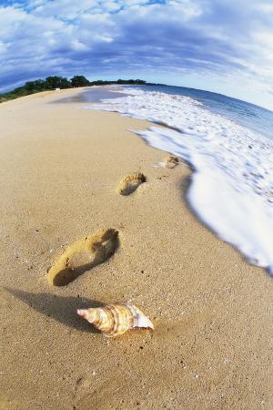 Footprints on Makena Beach