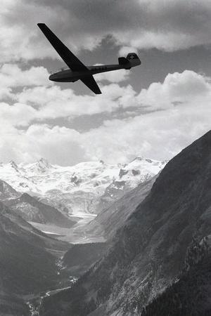 Glider in Mountains