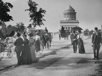 Pedestrians and Wagon Travelers near Grant's Tomb