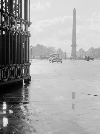 Place De La Concorde with Automobile in Foreground