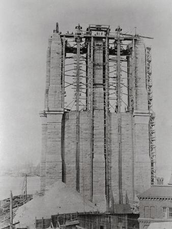 Construction of the Brooklyn Bridge