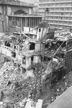 Demolition of the Famed Imperial Hotel Designed by Frank Lloyd Wright