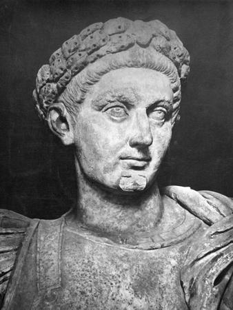 Statue of Constantine the Great