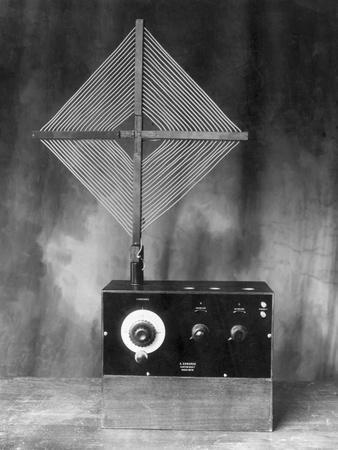 Early Radio with Antenna