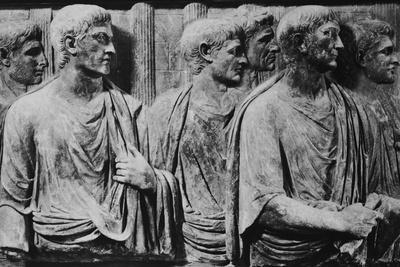Sculpture of Roman Court