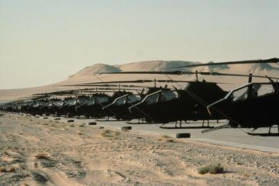 American Helicopters Readied for Saudi Arabia Battle