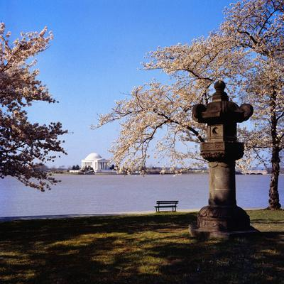 Jefferson Memorial from across the Lake