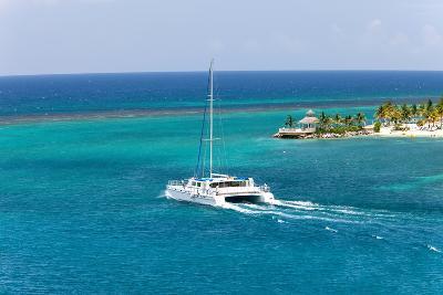 Catamaran Sailling in Jamaica