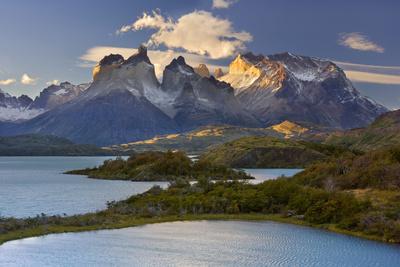 Cuernos Del Paine Mountain Scenery Encompassing