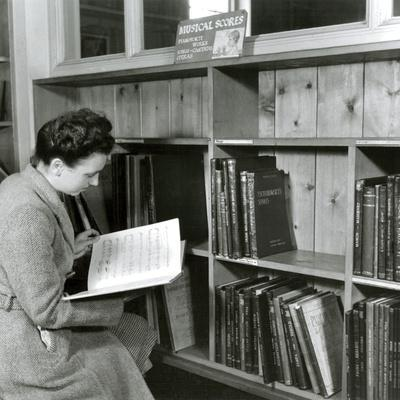 Reading a Score in a Music Library