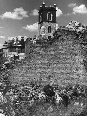 London Roman Wall