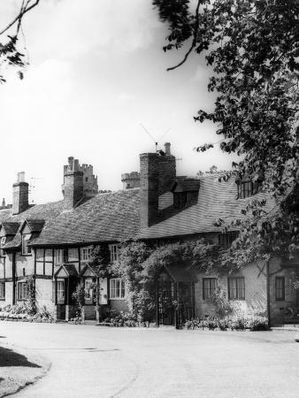 Warwick Cottages
