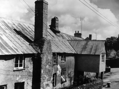 'Longlands' Farmhouse