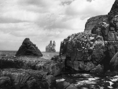 Cearbhag Cove Rocks