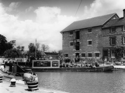 Pleasure Canal Boat Trip