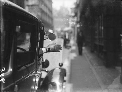 Motoring Hand Signal
