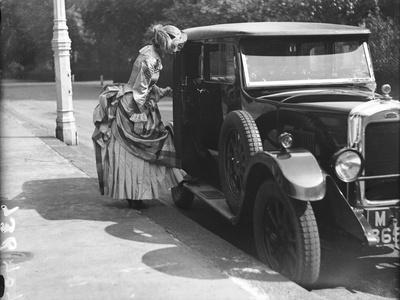 The Bustle and Motor Car