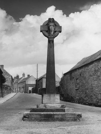 Derbyshire Village Cross