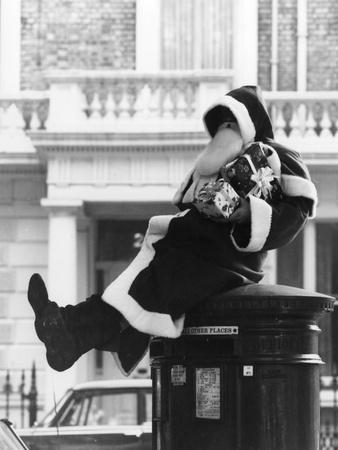 Father Christmas, Postbox
